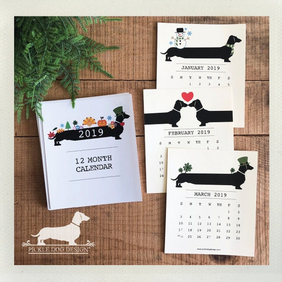 Holiday Doxie. 2019 Desktop Calendar