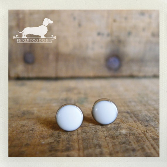 DOLLAR DEAL! White Out. Post Earrings