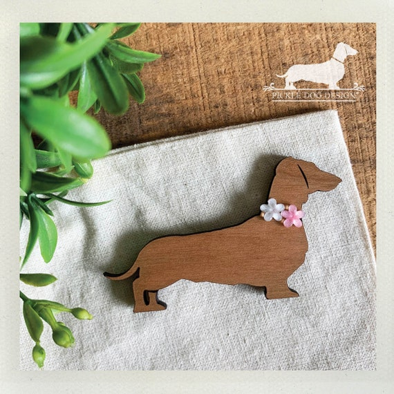 Floral Doxie. Magnet