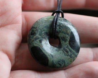 30 mm Kambaba Jasper Pi Stone Donut V11A5
