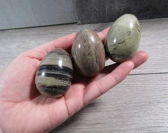 Silver Leaf Jasper Egg 48 x 36 mm M175