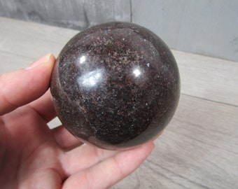 Garnet Sphere 1 lb 5.4 oz 69 mm #4661 cc