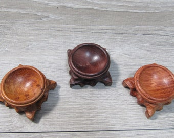 Wood Sphere Stand for 40 - 80 mm Sphere Q56