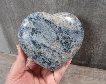 Blue Quartz Heart 2 Lb 1.9 oz # 7997 cc