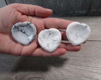 Howlite Heart Worry Stone E85