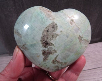 Garnierite Heart 10.5 ounces #6544 cc