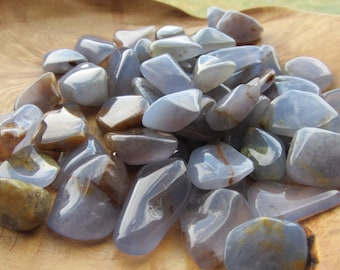 Chalcedony Tumbled Stone T33