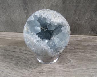 Celestite Crystal Sphere 1 lb 7.7 oz 9020 cc