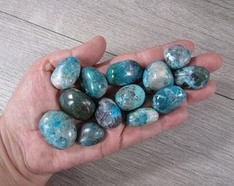 Quantum Quattro Medium Tumbled Stone T96