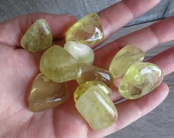 Lemon Citrine Quartz Medium Tumbled Stone T103