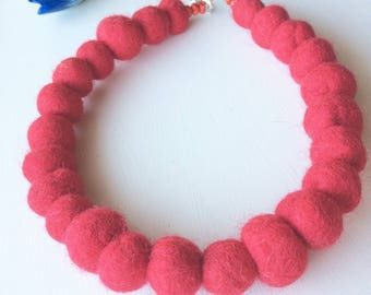 Red Statement Necklace, Red Felt Balls Necklace, Felted Wool Bead Necklace, Red Wine,Red Felt Jewelry, Red Choker Necklace