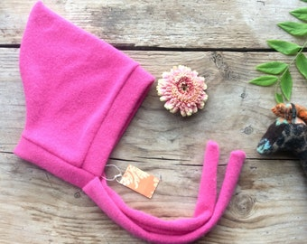 0 to 3m Baby Cashmere in fuchsia, Pixie hat for baby girl and boy, oatmeal
