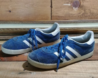 the latest 466f4 c6b91 Unisex Classic Blue Suede and White Leather Original Adidas Gazelle Tennis  Shoes - Women s US 9   Men s US 7
