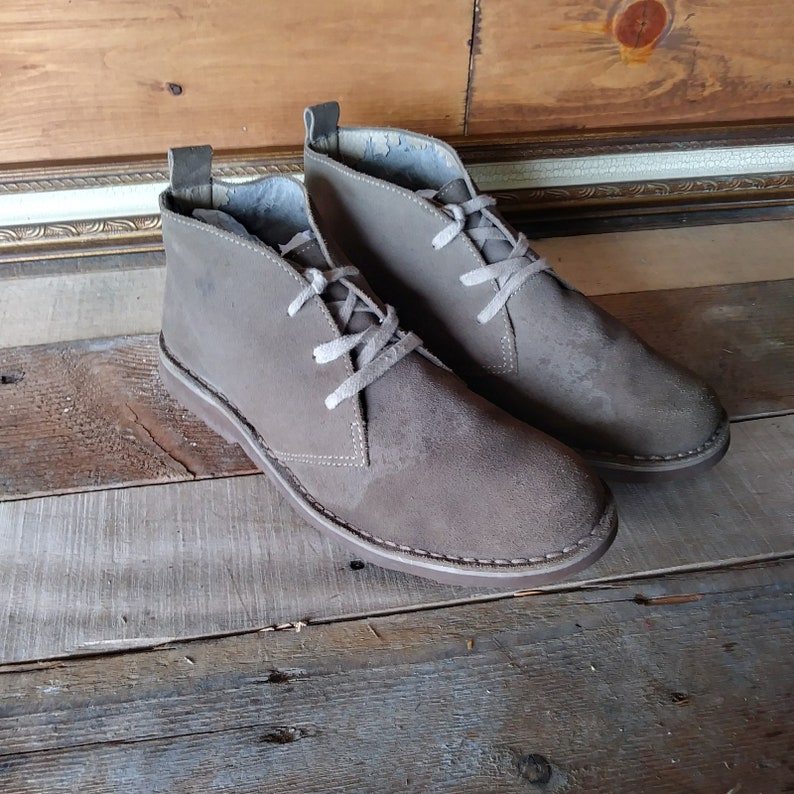 Vintage LL Bean Sand Brown Suede Chukka Boots. Mens US 10.5 D