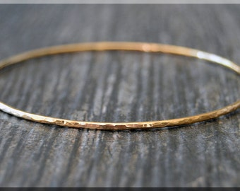 14k Gold Filled Bangle Bracelet, Hammered Gold Bangle, 14k Gold Filled Stacking Bracelet, Gold Minimalist Bracelet, Simple Stacking Bangle