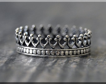 Queens Crown Ring, Sterling Silver Stacking Ring, Silver Crown Ring, Royal Crown Ring, Queens Crown Stacking Ring, Delicate ring