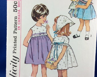 Vintage 60s One-piece smock dress - girl's summer dress Size 4 Vintage Simplicity Pattern 5860 UNCUT