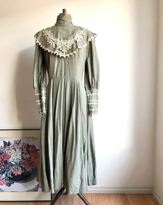 Amazing  Vintage 70s Sage Green Dress Prairie Roma
