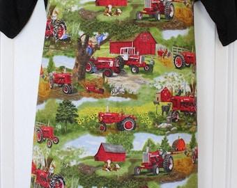 Farmall IH Tractor Apron, farm scene