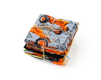 Allis Chalmers Tractor Fabric Bundle: Panel and Fat Quarters