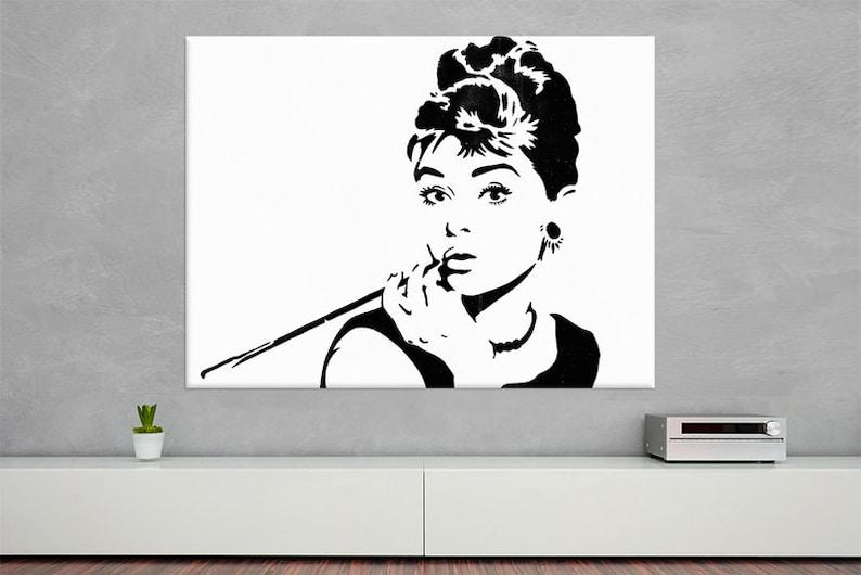 Audrey Hepburn  Canvas Print Streetart image 0