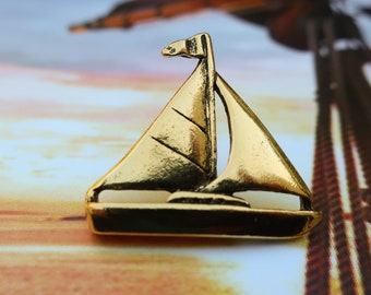 Mother of Pearl SAILBOAT Brooch PinEarrings~Sterling Silver Screw Backs~40s50s~Hand-Carved MOP Sailing Ship~Nautical Vintage~Shell~Beachy