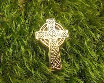 Gold Celtic Cross Lapel Pin-CC512G