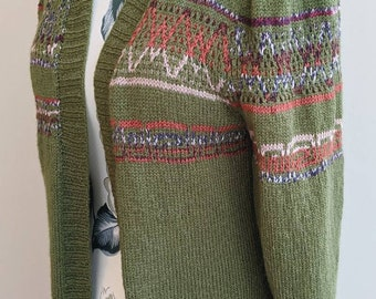 Green Patterned Ladies Cardigan M/L Size 37 FREE SHIPPING