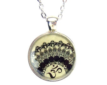 OM Pendant Necklace Silver Yoga Mendi  Necklace