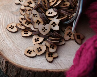 50 boutons en bois - Boutons en forme de coeur 16mm x 14mm brut découper au laser