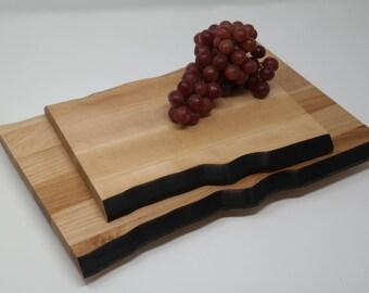 Planche à découper - Planche à fromage - Plateau de service - Assiette en bois - Planche de type ''Live Edge''