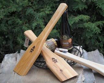 Racloir à BBQ - Racloir en bois - Brosse à BBQ - Ouvre-bouteille