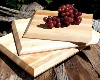 Planche à découper - Planche à fromage - Plateau de service - Assiette en bois