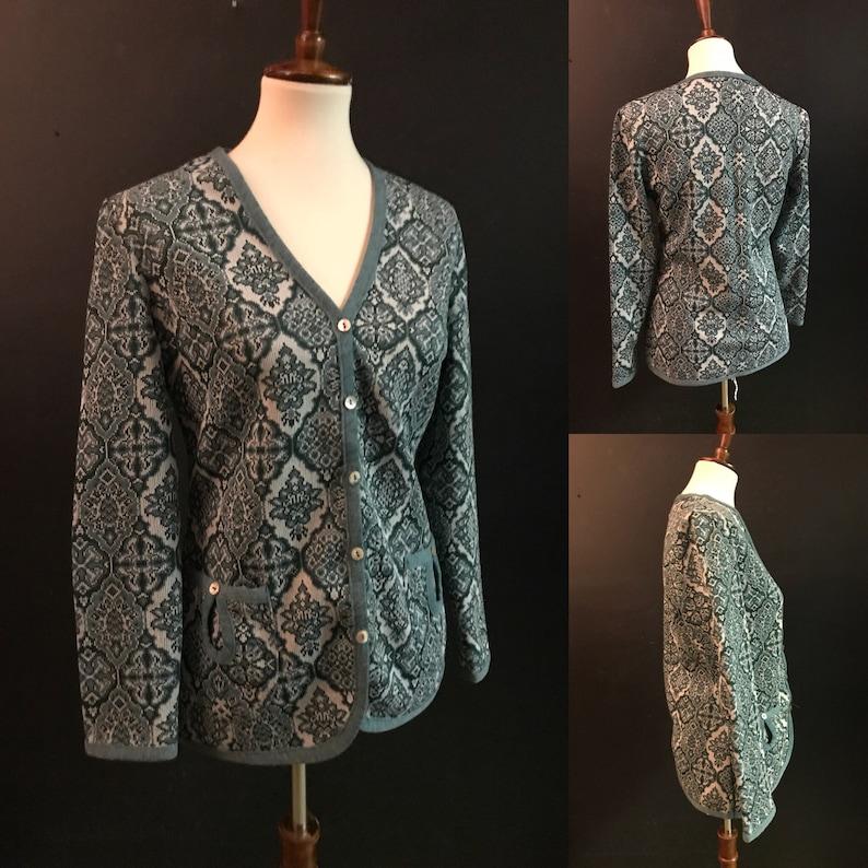 large listing 7565 Vintage 70/'s Green /& Soft White Boho Cardigan Sweater size medium