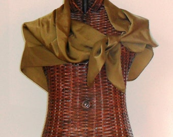 3d5ee7a0b48d Beautiful and Large PURE Silk Vintage Louis Vuitton Scarf Wrap