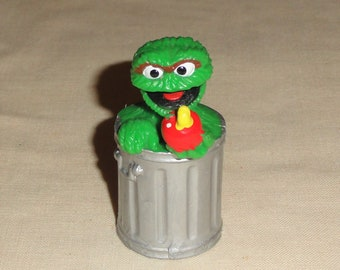 84f58a1c705 Applause Muppets Inc Sesame Street Character OSCAR The GROUCH Figural PVC  Toy  Cake Decor Topper