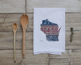 Wisconsin Home Tea Towel   Vintage License Plate Art   Wisconsin State Outline Art   Madison Milwaukee Green Bay