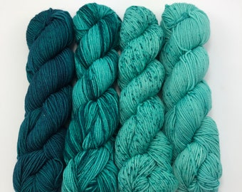 Urth yarns Merino Gradient Kit 807, Fingering weight yarn