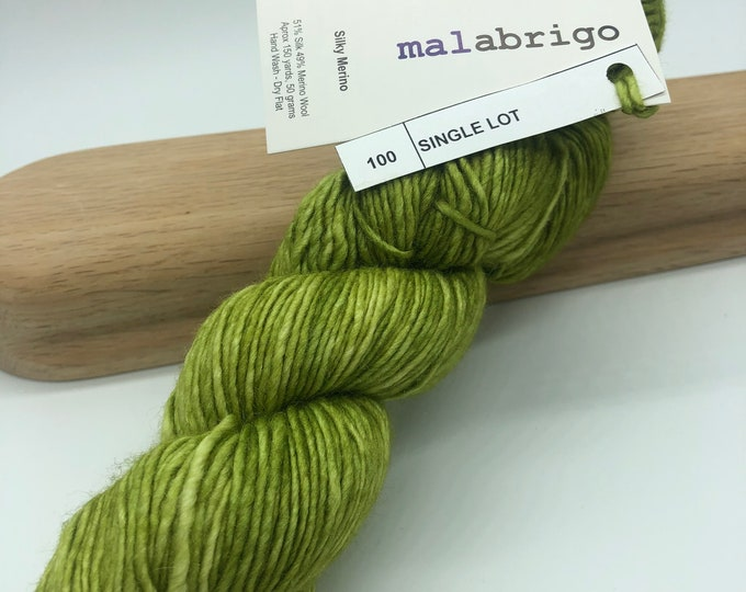 Malabrigo Silky Merino, Dk weight yarn, single lot, green