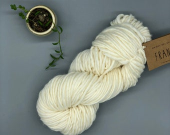 Franca Yarn by Manos del Uruguay, Super Bulky, 100% Superwash Merino Wool, Natural, White merino yarn