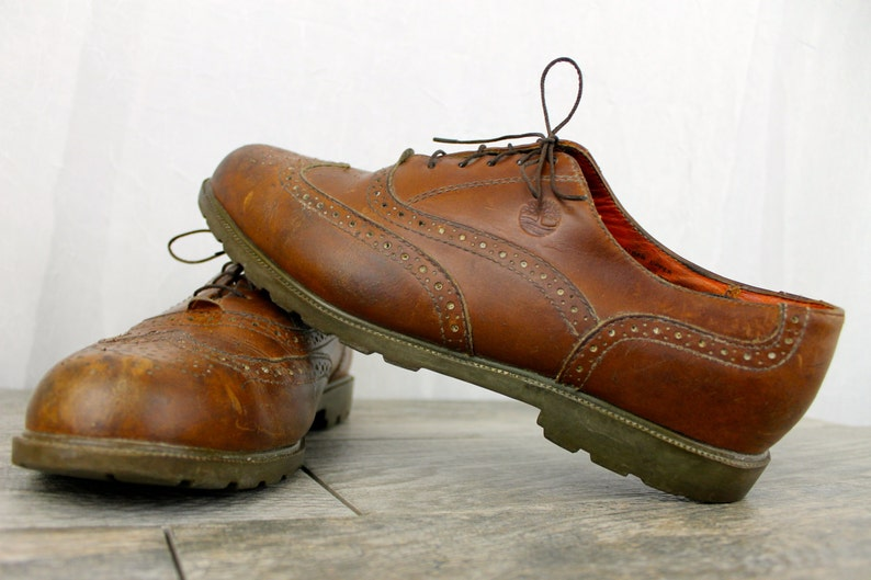 e6cad0960dc41 Vintage Distressed TIMBERLAND Leather Brown Wingtip Mens Dress