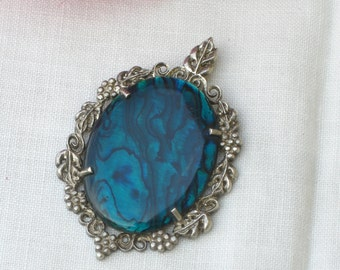 Pendant - Mother of Pearl - Sterling Silver Frame - Turquoise Blue - Vintage