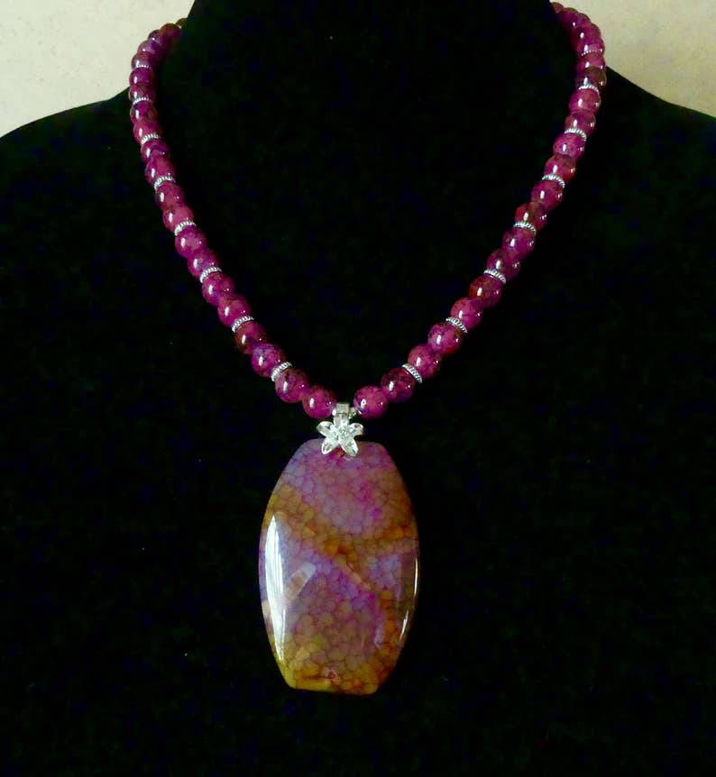19 Inch Rose and Gold Fire Agate Pendant Necklace with Earrings