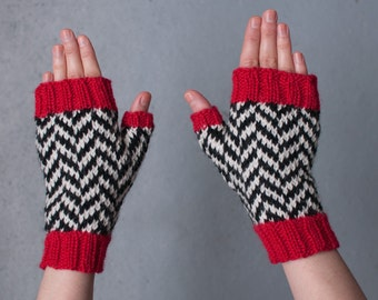 Twin Peaks clothing, fingerless gloves, Black Lodge clothing, chevron pattern, handmade, women size S twin peaks inspired, wool