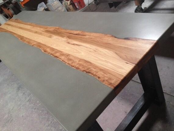 Tavoli in cemento e legno