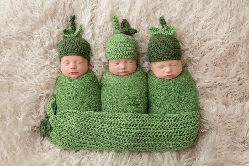 Newborn Triplet Three Peas In A Pod Hats Crochet Photo Prop image 0