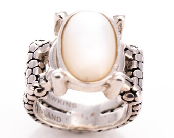 Vintage Michael Dawkins Sterling Oval Mother-of-Pearl and Snakeskin Texture Ring