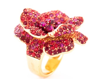 Vintage Joan Rivers Rhinestone Flower Statement Ring