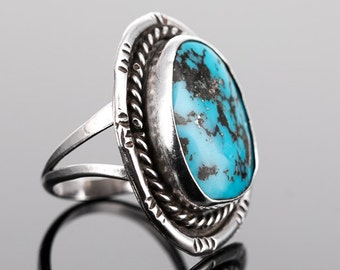 Vintage Sterling Silver and Turquoise Southwestern Ring Size 7.75