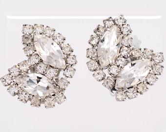 Vintage Weiss Rhinestone Clip Earrings